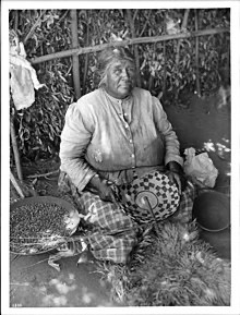 220px-Agua_Caliente_Indian_woman,_Mercedes_Nolasquez,_basket_maker,_ca.1900_(CHS-3830)